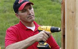 Man using powerdrill